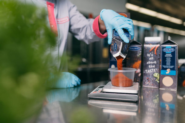 Kuusankosken keittiö palvelee asiakkaita Kouvolassa -artikkelikuva