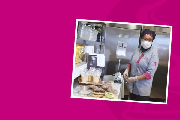 Jaana on viihtynyt pitkän työuran opiskelijaruokailun parissa ammattikoulun keittiössä -artikkelikuva